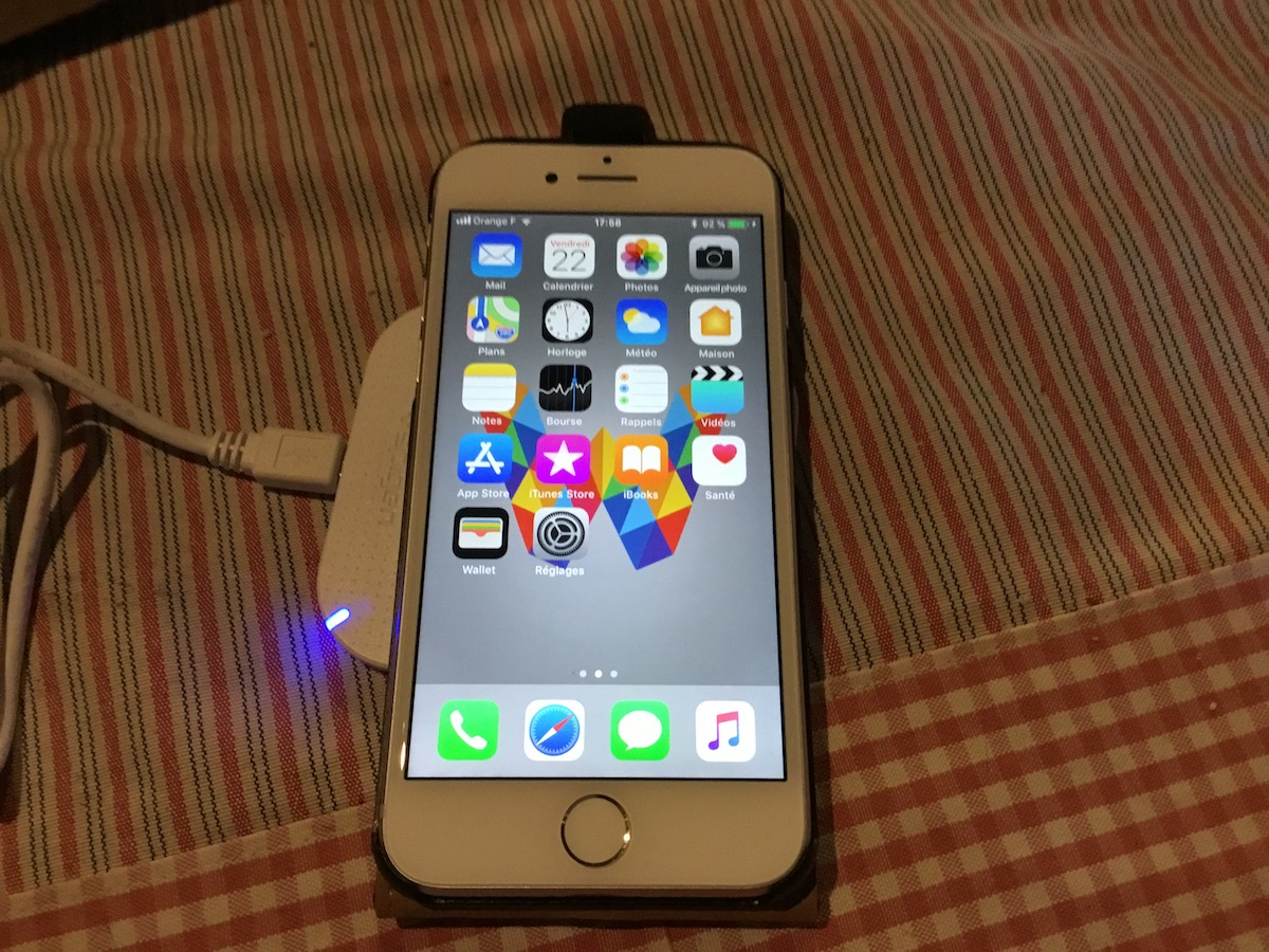 iphone-8-en-charge-induction.jpg